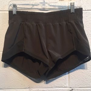 Lululemon olive shorts, sz 6 57741